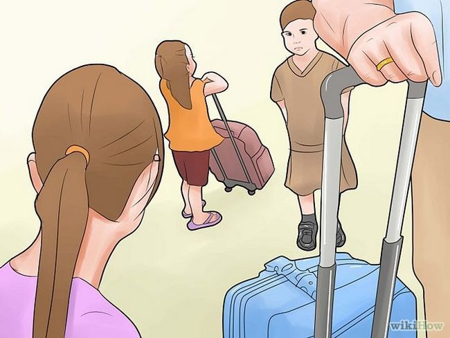 Зображення з назвою Travel With Children on Long Trips Step 4